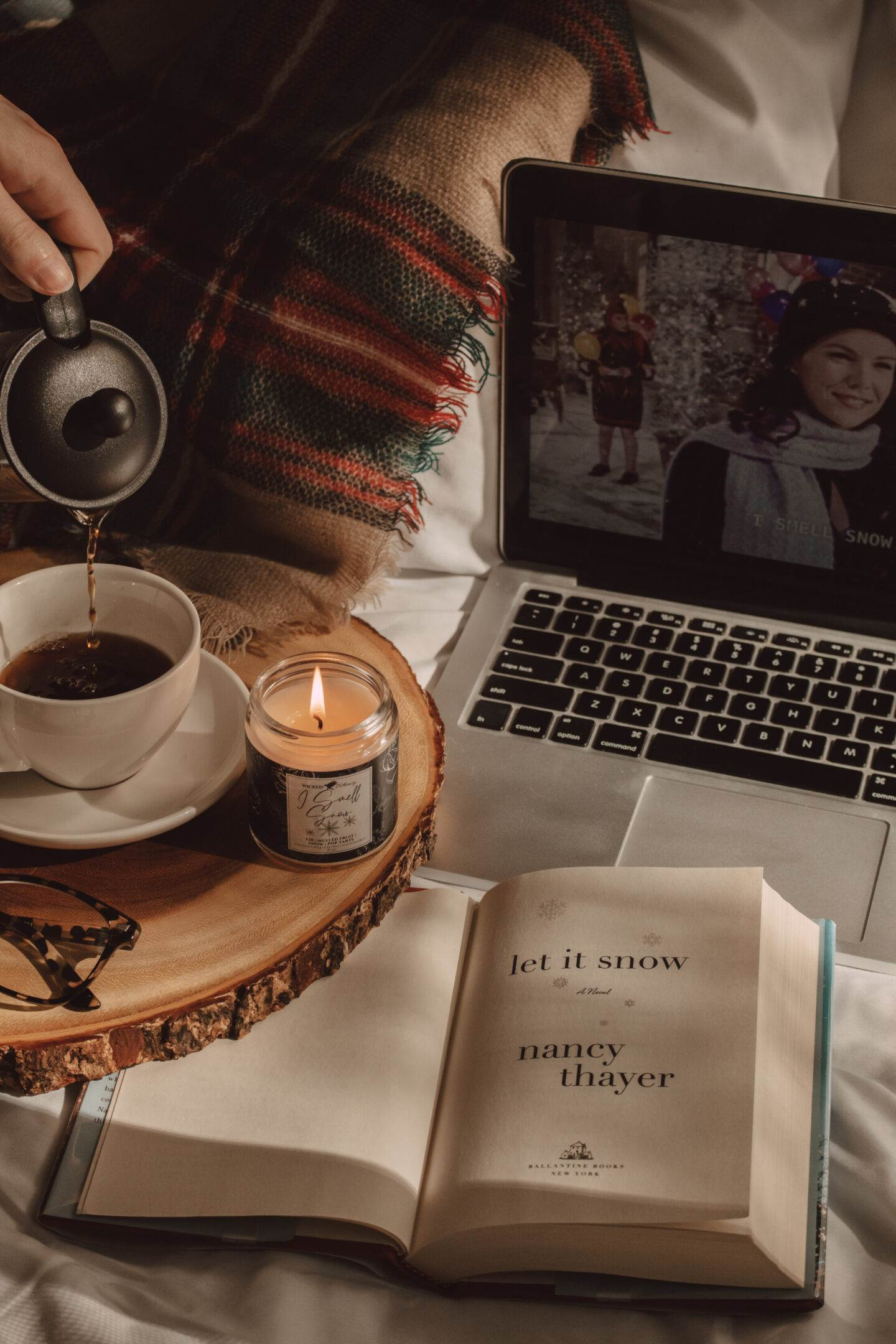 The Coziest Christmas Books to Read This Year | She Saw Style